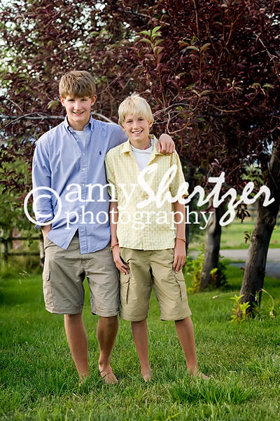 Two brothers poses for a Bozeman photo